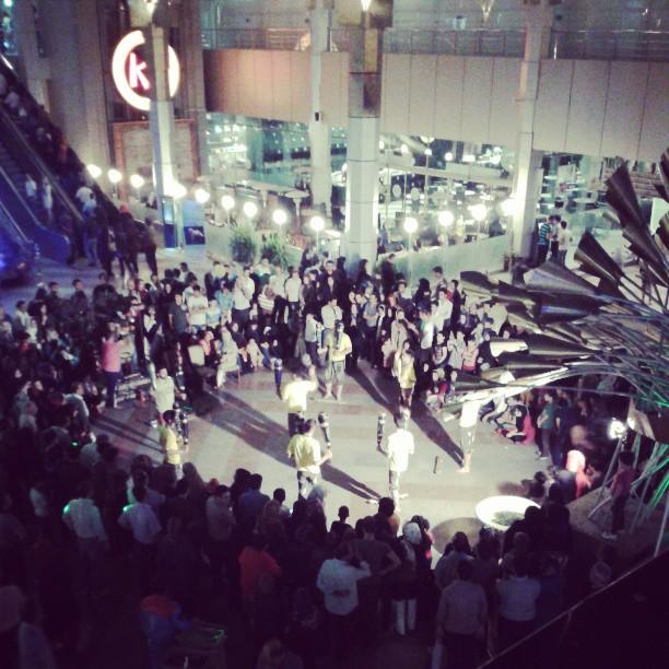 همراهنگاره:  به تماشای ورزش زورخانه ای