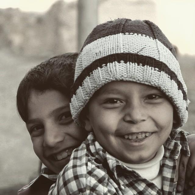 نگاره:  لبخند سایه روشن کوچههای روستا