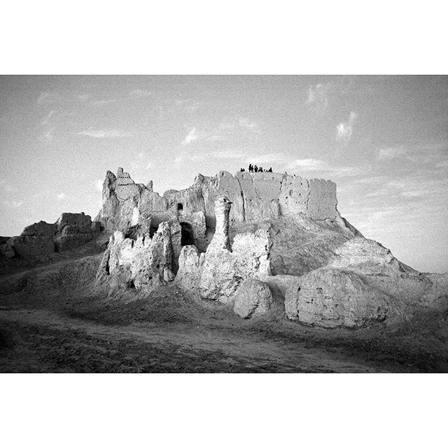 نگاره:  قلعه بمپور