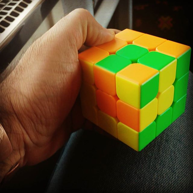 نگاره:  Getting #bored on the #train#Rubik #cube in a cube a cube!